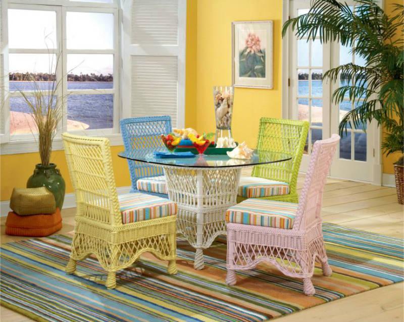 Цветная мебель из ротанга